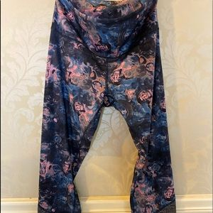 Lululemon size 12 worn once mesh floral leggings